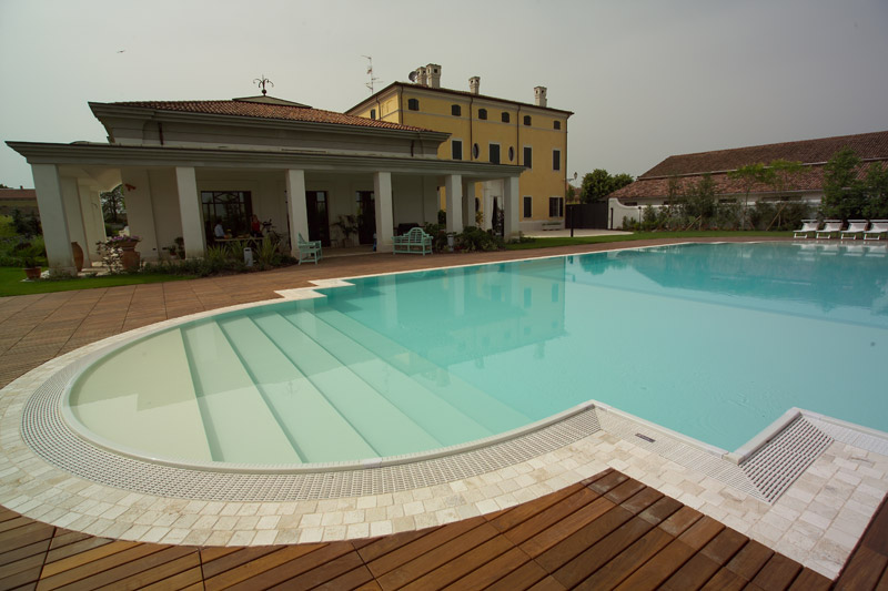 piscine_bordo_sfioro_01