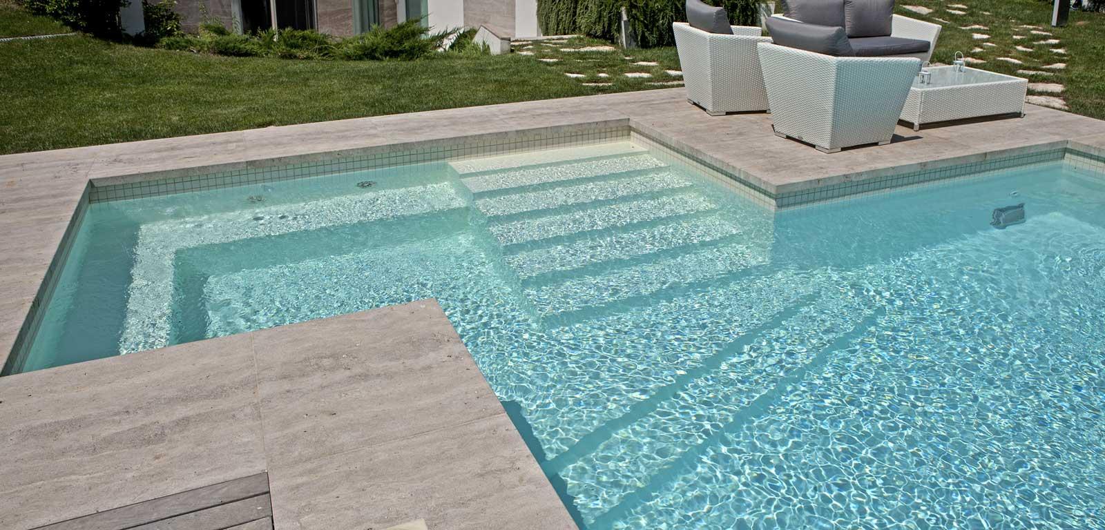 scala-ingresso-piscina-interna